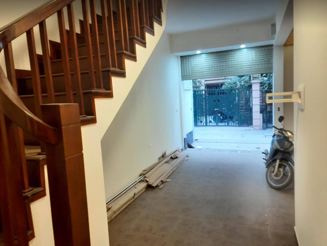 Bán nhà:  Ngay Phố Phùng Chí Kiên - Quận Cầu Giấy -  Hà Nội